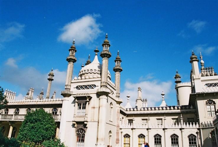 The Royal Pavilion | Brighton, UK | Nikon F55 | day in the city © 2016
