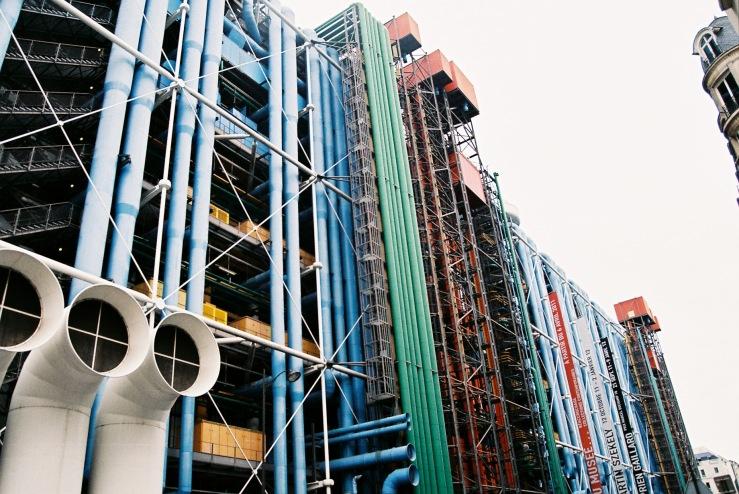 Centre Pompidou | Paris, France | Nikon F55 | day in the city © 2016