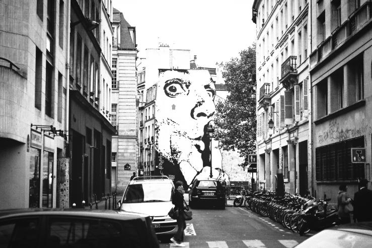 Shh... | Paris, France | Nikon F55 | day in the city © 2016